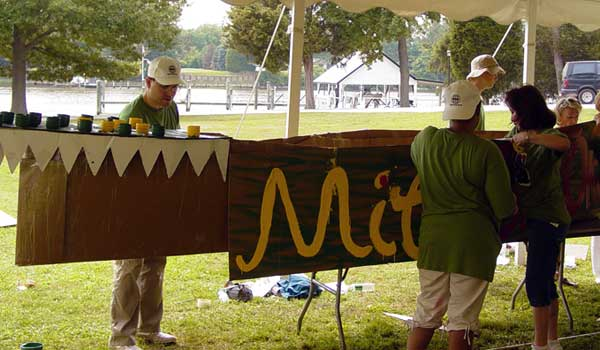 cardboard boat, team building, chesapeake light craft,